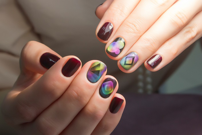 Aeropuffing Nail Art at its best with geometry patterns